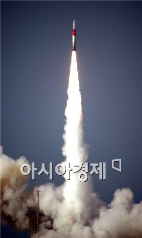 """군사전문가들은 """"북한이 발사한 스커드B가 340km를 날아가는데 4분쯤 걸리는데 요격시간이 너무 짧아 PAC-2가 구축인 한국의 MD체계로는 곤란하다"""" 설명했다."""
