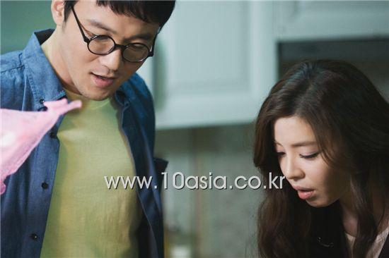 "Actor Bang Joong-hyun and actress Kim Gyu-ri act a scene from KBS Drama Special ""Just Say It!"" at the broadcaster's drama center in Gyeonggi Province, South Korea on November 8, 2010. [Chae Ki-won/10Asia]"