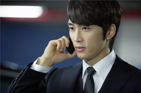 "Korean actor Song Seung-hun on the set of upcoming drama ""My Princess"" [MBC]"