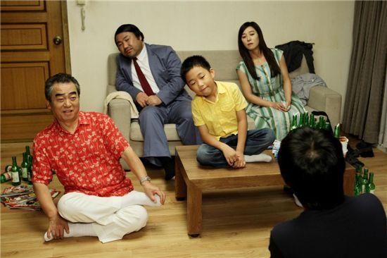 (왼쪽부터)영화 '헬로우 고스트'의 이문수 고창석 천보근 장영남