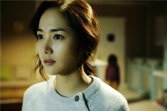 "Actress Park Min-young in a scene of upcoming horror flick ""Cat."" [King Kong Entertainment]"