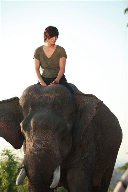 "Korean actor Lee Min-ho on an elephant for upcoming SBS TV series ""City Hunter."" [3HW]"