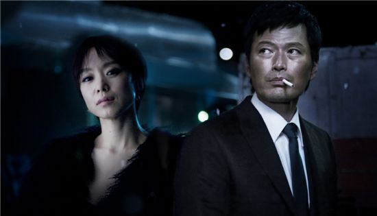 """Still image of Jeon Do-youn and Jung Jae-young's upcoming action flick """"Countdown"""" [Sidus FHN]"""