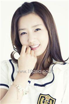 Yoon Bo-mi [Lee Jin-hyuk/10Asia]