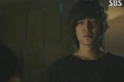 "A scene from SBS TV series ""City Hunter"" [SBS]"