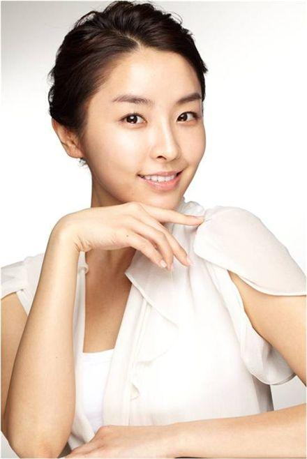 Actress Jung Yu-mi [Neos Entertainment]