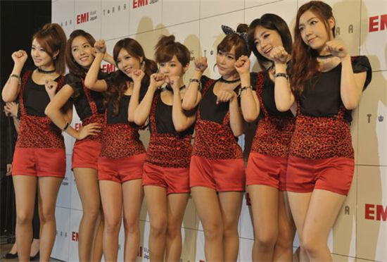T-ara at their showcase held at the Shibuya-AX concert hall in Tokyo, Japan on July 5, 2011. [Core Contents Media]