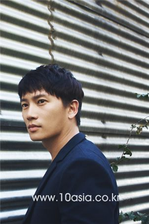 Ji Sung [Chae Ki-won/10Asia]