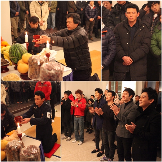 "Actor Hwang Jung-min and crew of film ""Korean Peninsula"" (translated title) hold a good luck ritual in the Gyeonggi Province, South Korea on January 16, 2012. [Y Tree Media]"