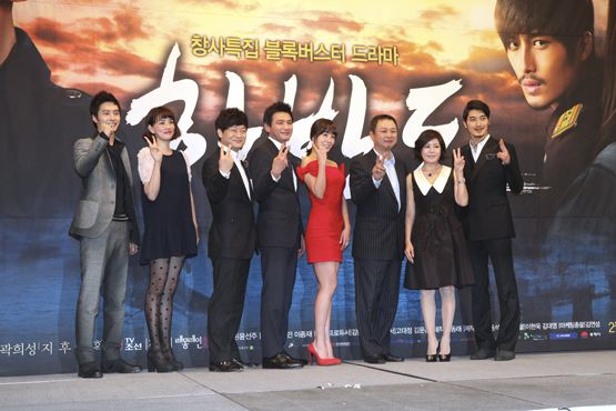 "From left, Jihoo, Cho E-jin, Jo Sung-ha, Hwang Jung-min, Kim Jung-eun, director Lee Hyung-min, writer Yoo Sun-joo and Gwak Hee-sung of CSTV series ""The Korean Peninsula."" [CSTV]"