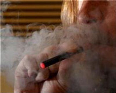 전자담배도 담배만큼이나 건강에 악영향을 주는 것으로 발표됐다.