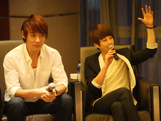Shinhwa's Jun Jin (left) and Shin Hye-sung (right) [Shinhwa Company]