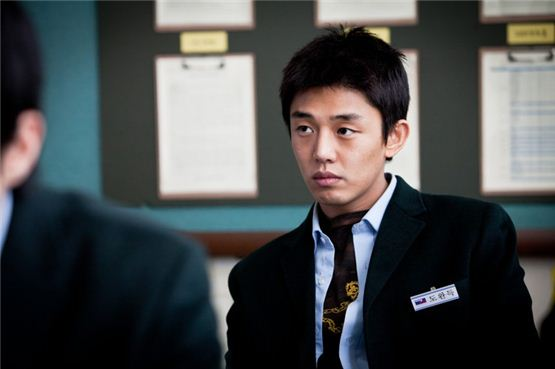 "Actor Yu A-in, donned in a school uniform, poses in a classroom while shooting for his latest hit film ""Punch,"" opened in local theaters on October 20, 2011. [CJ Entertainment]"