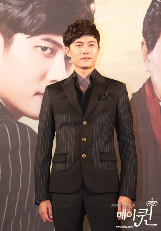 "Korean actor Jae Hee stands in front of cameras during the press conference of MBC weekend drama ""May Queen,"" held at 63 Convention Center's Juniper Hall in Yeoido, Seoul, South Korea on August 14, 2012. [MBC]"
