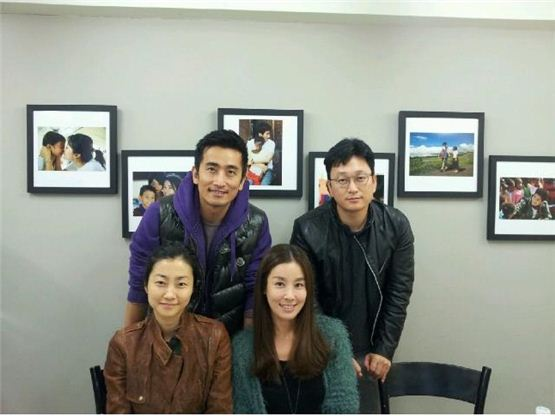 Korean actor Cha In-pyo (top left), film director Jeon Kyu-hwan (top right) producer Choi Mi-ae (bottom left) and actress Lee Tae-ran (bottom right) pose together in the picture sent from Choi on November 7, 2012. [Tree Film]