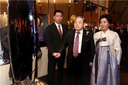 """이건희 삼성 회장 """"자만 말고 위기의식으로 재무장하라""""(종합) - 아시아경제"""
