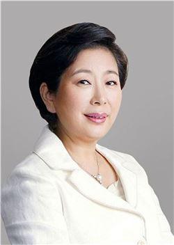 현정은 현대 회장, 朴대통령 해외순방 최다 참석 - 아시아경제