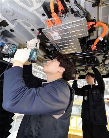 현대 수소연료車, 국내서도 달린다 - 아시아경제