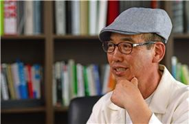 김영현 작가