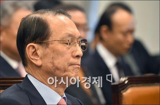 8일 국회 운영위원회에 출석한 김기춘 대통령 비서실장