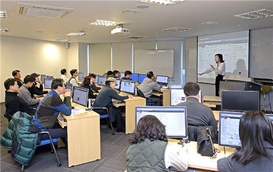 이베이코리아, '5060세대' 온라인 창업 지원 강좌 개설 - 아시아경제