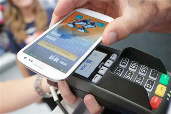 [집중취재]삼성vs애플vs구글, 모바일결제 시장의 승자는? - 아시아경제