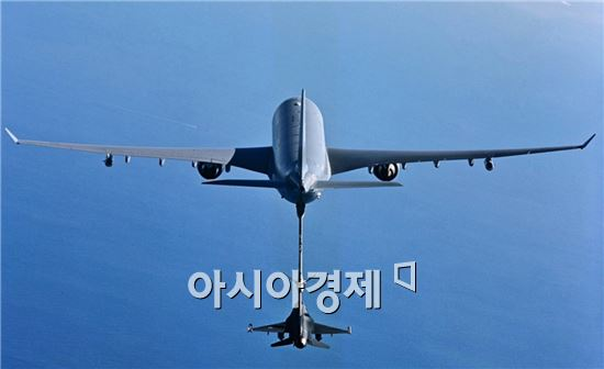 우리 공군이 보유할 공중급유기 기종이 유럽 에어버스D&S의 A330 MRTT로 최종 결정됐다.