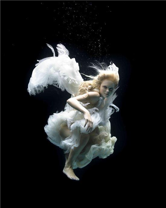 제나 할러웨이, '천사', '스완 송(Swan Song)' 시리즈, 2005년