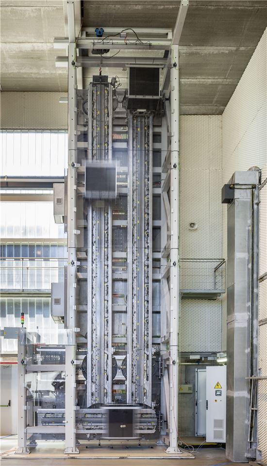 세계 최초 '로프 없는 엘리베이터' 공개 - 아시아경제