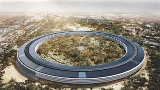 애플캠퍼스로 볼리는 애플 본사 건물