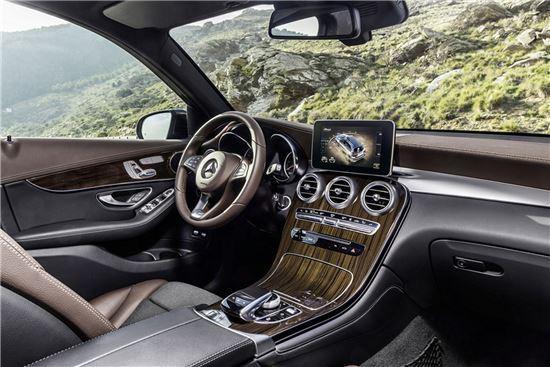 [아경 시승기 3.0]누구나 반할 SUV '벤츠 더 뉴 GLC' - 아시아경제