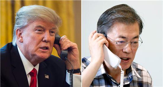 문재인 대통령이 7일 오전 청와대에서 도널드 트럼프 미국 대통령과 통화를 하고 있다.