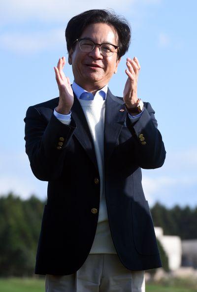 이재현 CJ그룹 회장이 한국 최초의 PGA투어 더CJ컵(1회 대회)에 참석해 박수를 치고 있다.