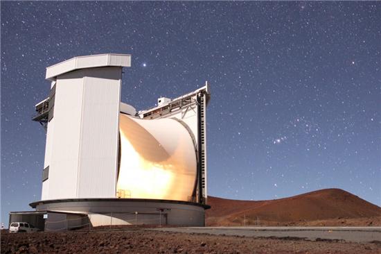 ▲하와이 마우나 키아 정상에 위치한 제임스 클럭 맥스웰 망원경(JCMT).[사진제공=William Montgomerie]