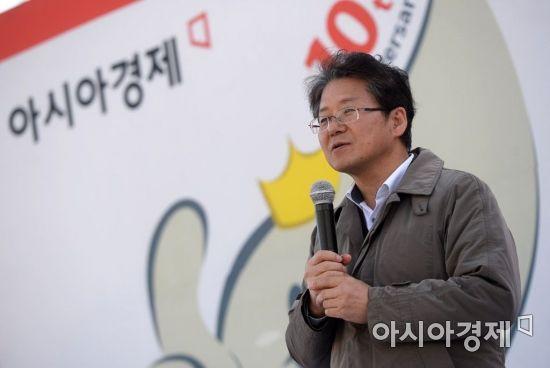 [포토]2017 아시아경제 연비왕대회, 심사평하는 김필수 교수