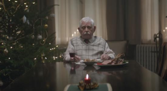 """""""이래야 너희들이 오지"""" 전세계 울린 한 노인의 성탄절 (영상)"""