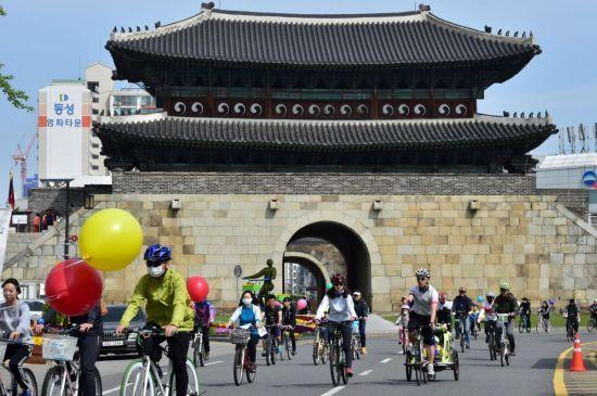 수원시가 올해 자전거보험을 대폭 확대 지원한다.