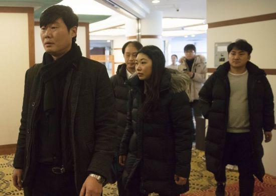 3일 오후 한국노총 관계자들이 서울의 한 호텔에서 열린 파리바게뜨 노사 2차 간담회에 참석하고 있다. [이미지출처=연합뉴스]
