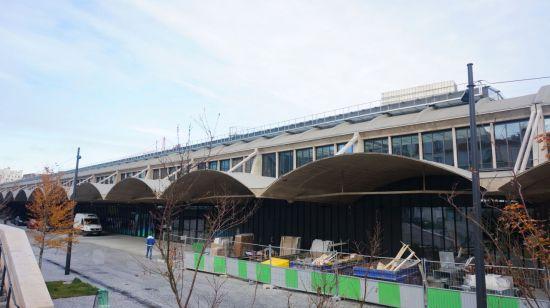 파리 리브고슈 지구 내 톨비악 지구. 스타트업 인큐베이터 공간으로 활용되는 옛 철도청 건물의 모습.