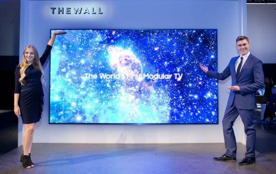 삼성전자의 146형 모듈러 TV '더월'