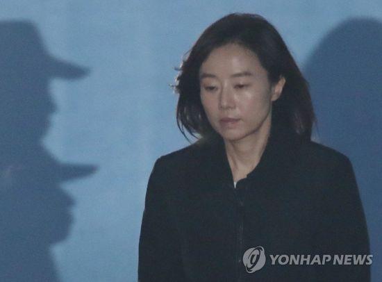 조윤선 전 장관, 22일 구속기간 만료로 석방