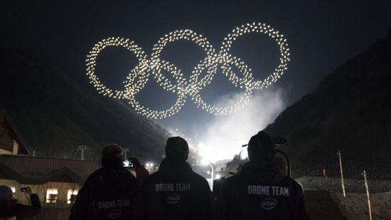 평창동계올림픽 개회식에서 오륜기를 형상화한 드론