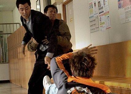 영화 '비열한 거리' 속 한 장면(사진 출처=네이버 영화)