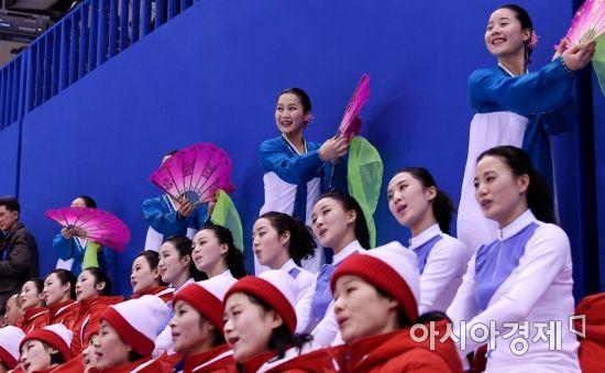 [포토] '부채춤 응원'