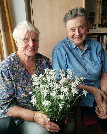 40여 년을 고흥 소록도에서 한센병 환자를 돌봤던 간호사 마리안느 스퇴거(85)와 마가렛 피사렉(84) (사진=전라남도 제공)