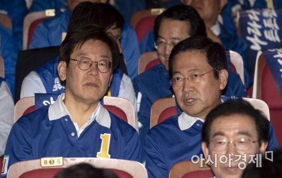 [포토] 이야기 나누는 이재명-박남춘 후보