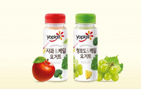 """""""국내 최초 10가지 과일·채소 듬뿍""""…빙그레 요플레, 마시는 케일요거트 2종 출시"""