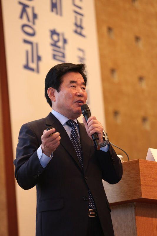 """김진표 """"선순환 창업생태계 위해 금융혁신해야"""""""