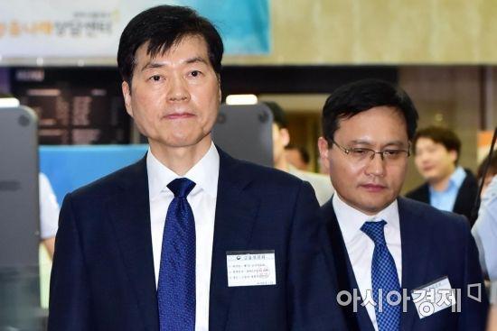 [포토] 감리위원회 향하는 김태한 삼성바이오로직스 사장