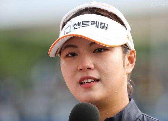 인주연이 NH투자증권 우승으로 투어 경비와 시드 걱정에서 벗어났다.